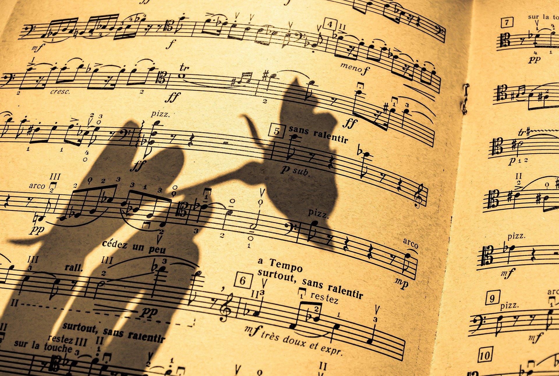 music sheets 1920x1291 - Free image bank